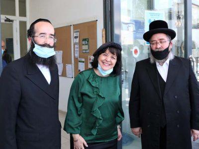 """ראש העיר ד""""ר בלוך עם ראשי עזרת אחים קאפ והופמן"""