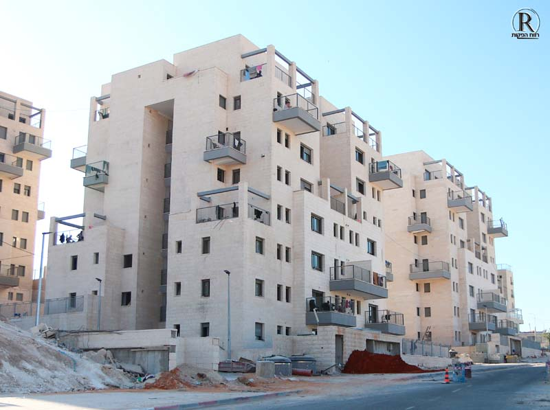 בניין ברמת בית שמש ג'2 שבו גרים פועלים פלסטינים