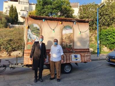 הרב חיים סמורה עם חבר מועצת העיר אלישיב גוטמן