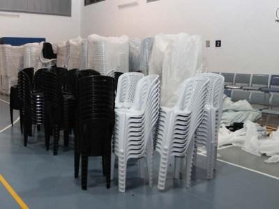 כסאות כתר, בעוד דקות ספורות הם יהיו בדרך לבתי הכנסת
