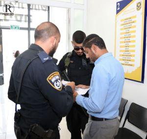 אסף מטרי מוסר עדות לשוטרים